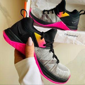 NWT Nike metcon flyknit